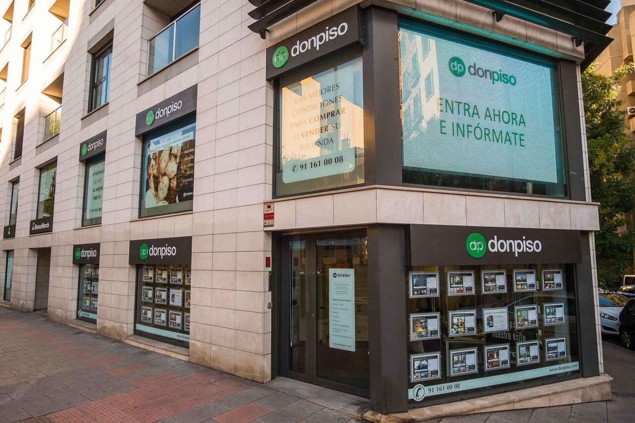 La franquicia inmobiliaria donpiso alcanza las 100 for Oficina registro madrid